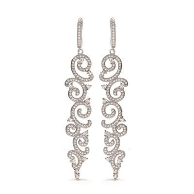 srebrne długie kolczyki ślubne z cyrkoniami bogate kolczyki biżuteria ślubna stylowe dodatki panny młodej