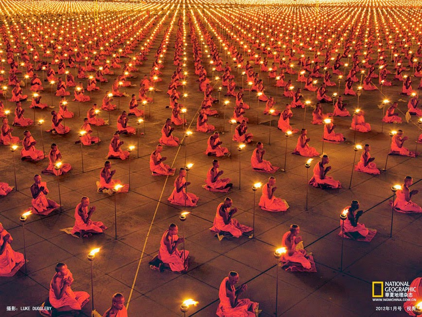 2.  Dhammakaya Temple – Thailand - 27 Amazing Travel Photos That Will Infect You With The Travel Bug