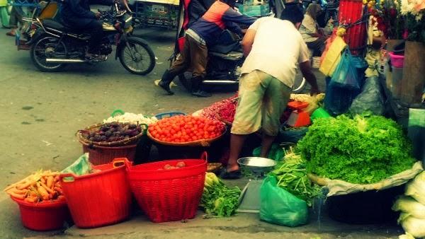 pasar pagi, pedagang sayur