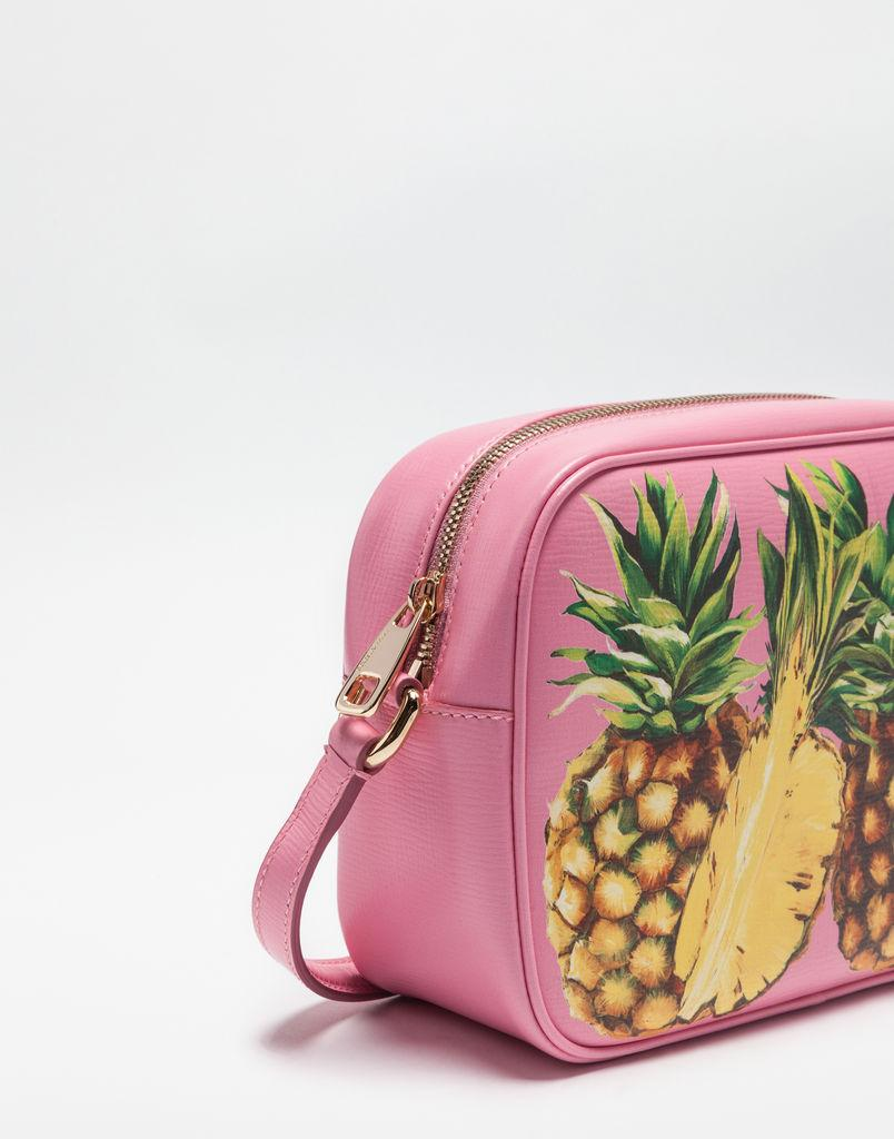 52af292b57172 أجمل حقائب يد دولتشي أند غابانا ربيع صيف 2017 - مجلة كاميليا
