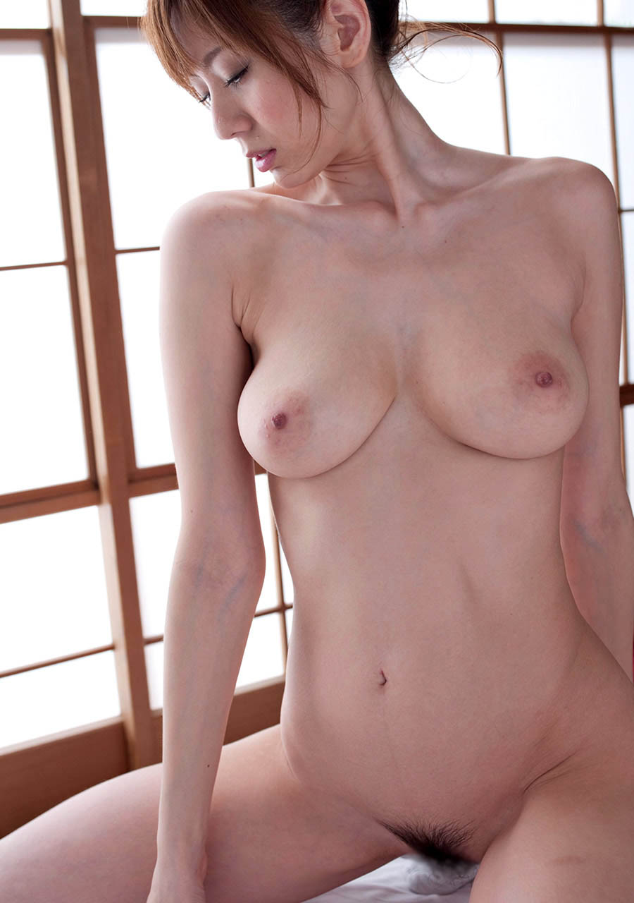 Naked pictures of japanese women