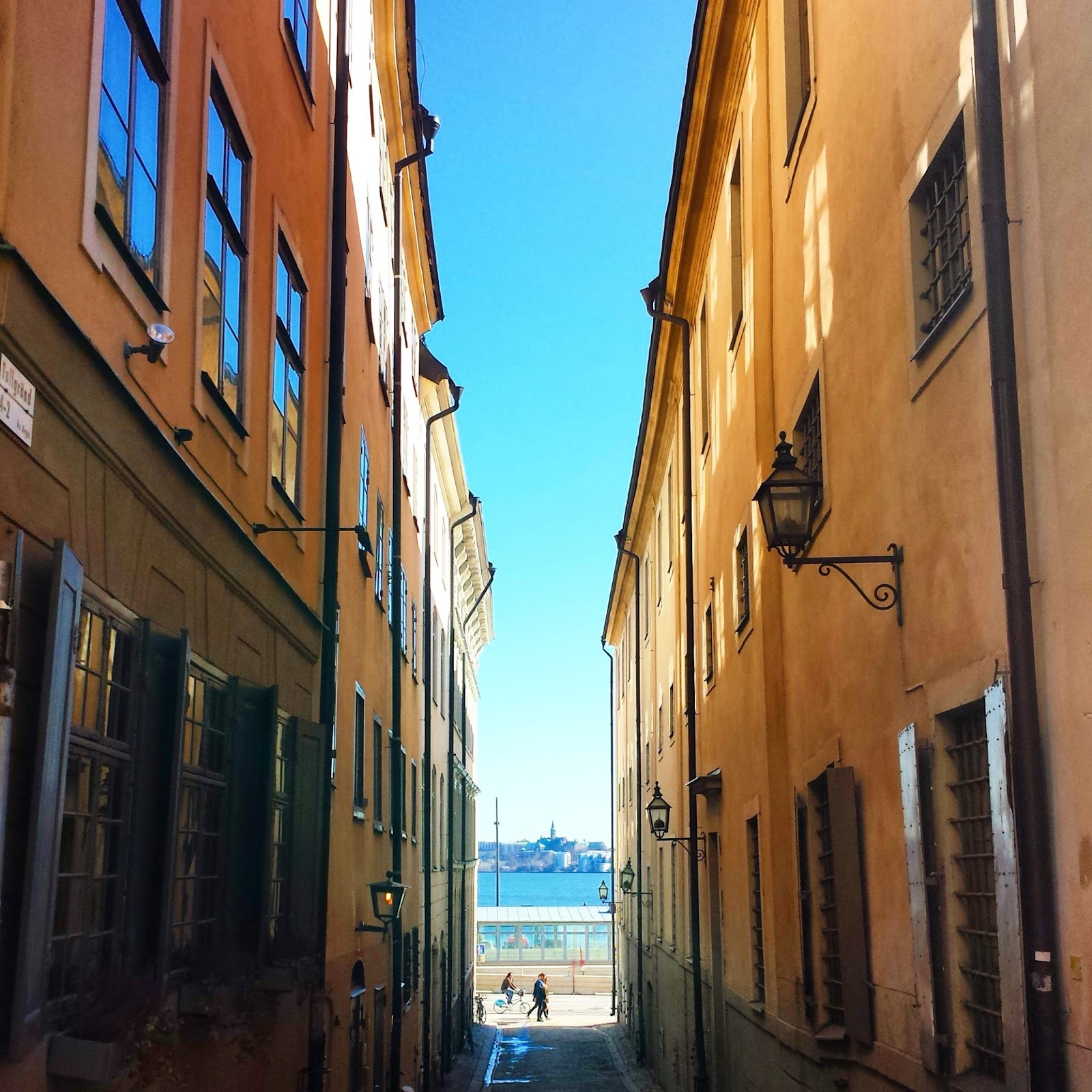 Gamla Stan, Stockholm, Sweden  | The biggest differences I've noticed in Sweden: Vol. 5 on afeathery*nest  |  http://afeatherynest.com
