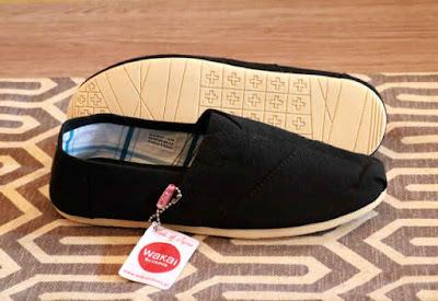 Sepatu Wakai Women Black