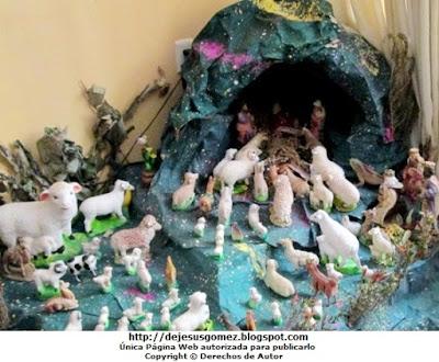 Foto de un Nacimiento de Jesús casero tomado de día por Jesus Gómez