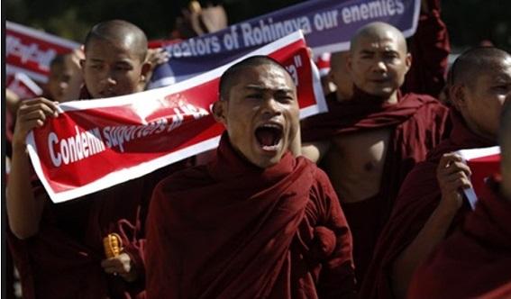 Tak Cukup Bunuh Islam Rohingya Di Myammar, 3 Lelaki Myammar Tunjuk Samseng Dalam Malaysia
