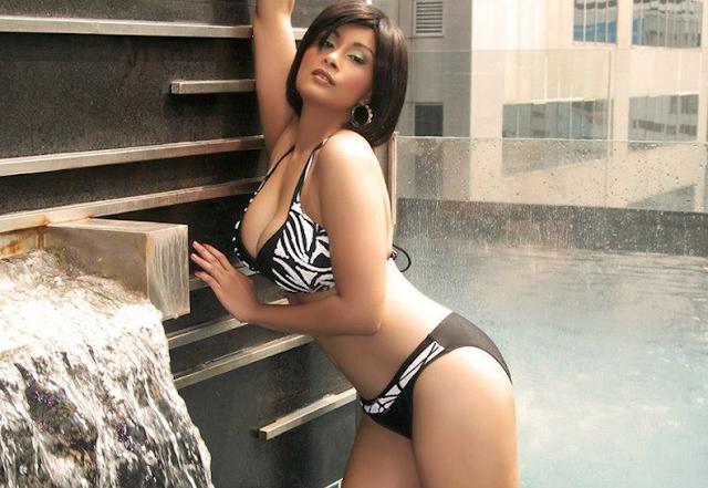 Richa Chadda Hot