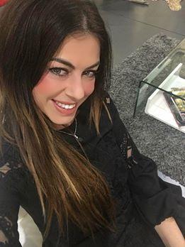 http://www.casualchic.es/es/productos/detalles/vestido-negro-bordado-con-volante/3803