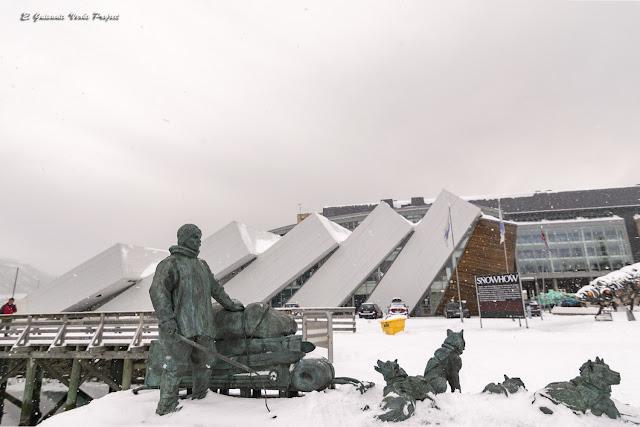 Polaria y Monumento a Helmer Hansen, Tromsø - Noruega, por El Guisante Verde Project