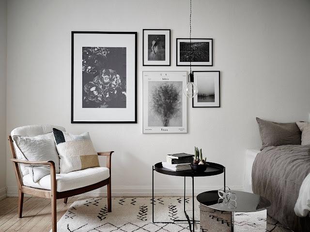 galeria obrazów w salonie, mały salon, pomysły na mały salon