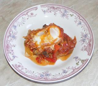 mancare israeliana, oua in sos de rosii, shakshouka, saksuka, retete culinare, retete de mancare, mancaruri,