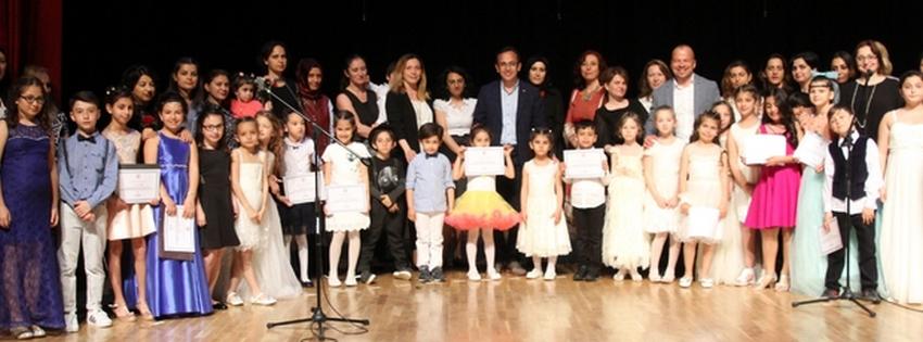 Şile Belediyesi Müzik Okulu öğrencileri Anneleriyle Sahne Aldı