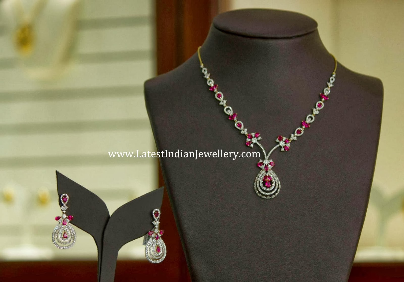 Stunning Diamond Ruby Necklace Set