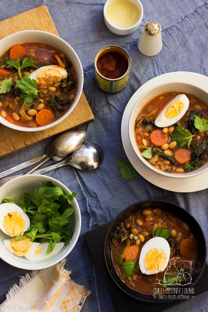 Pikantna zupa z fasolą, harissą i miodem / Chilli, Czosnek i Oliwa
