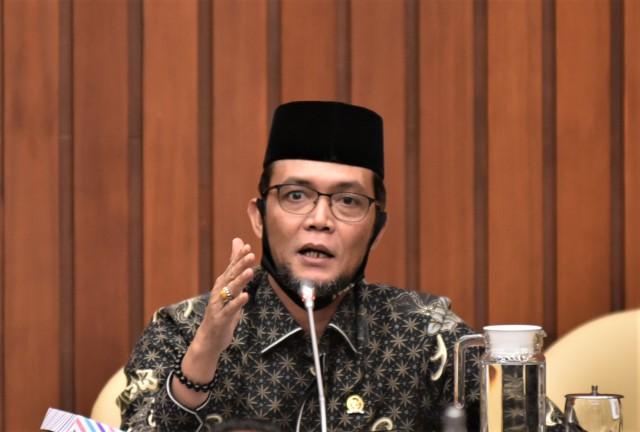 TA Khalid Usulkan KLHK Perlu Duduk Bersama Dengan Perusahaan Importir Sampah