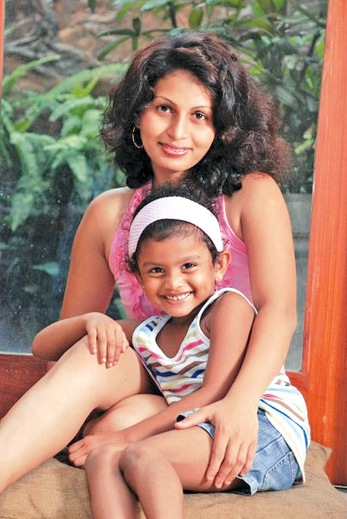 Sri Lankan Actress Chat with Roshana Ondachchi