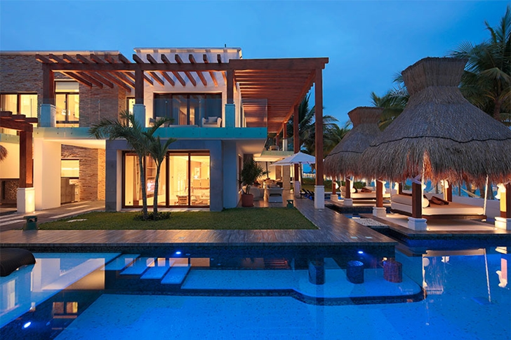 Modern Villa On The Beach In Mexico