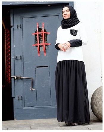15 Model Baju Muslim Modern Zaskia Sungkar Edisi Gamis Terbaru