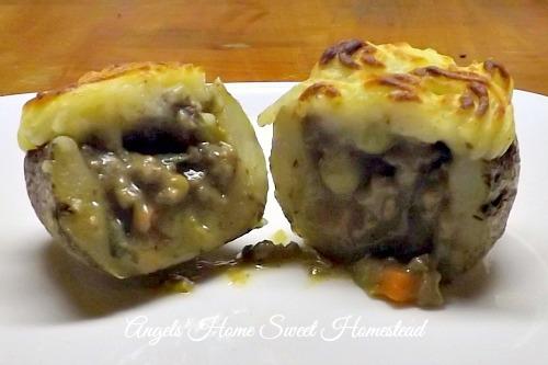 Home Sweet Homestead: Cottage Pie Potatoes
