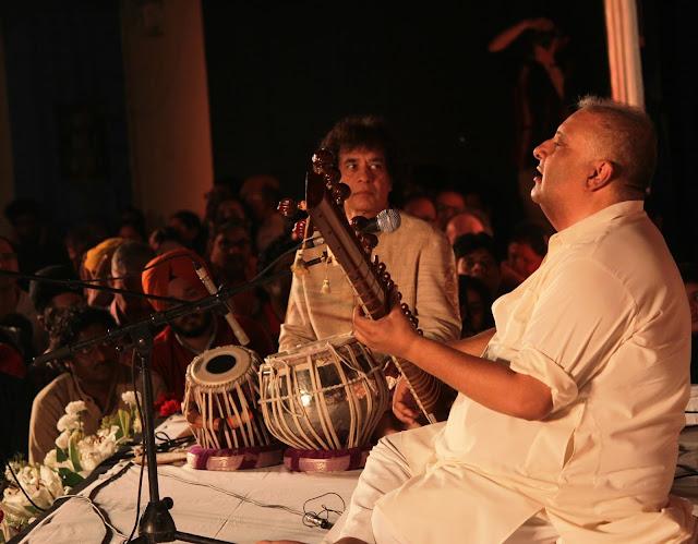 Zakir Hussain & Shujaat Khan in Concert