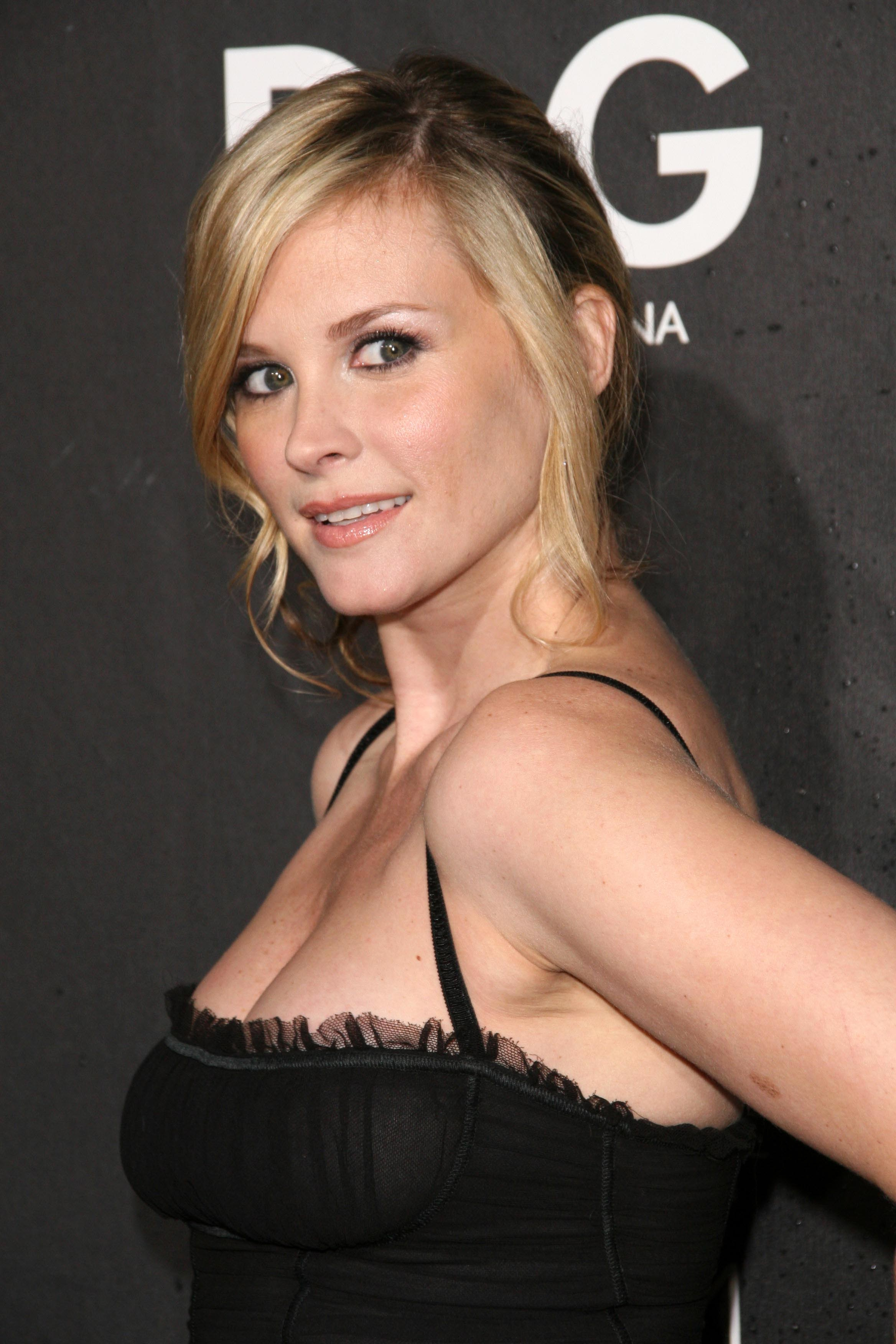 Bonnie Somerville summary | Film Actresses