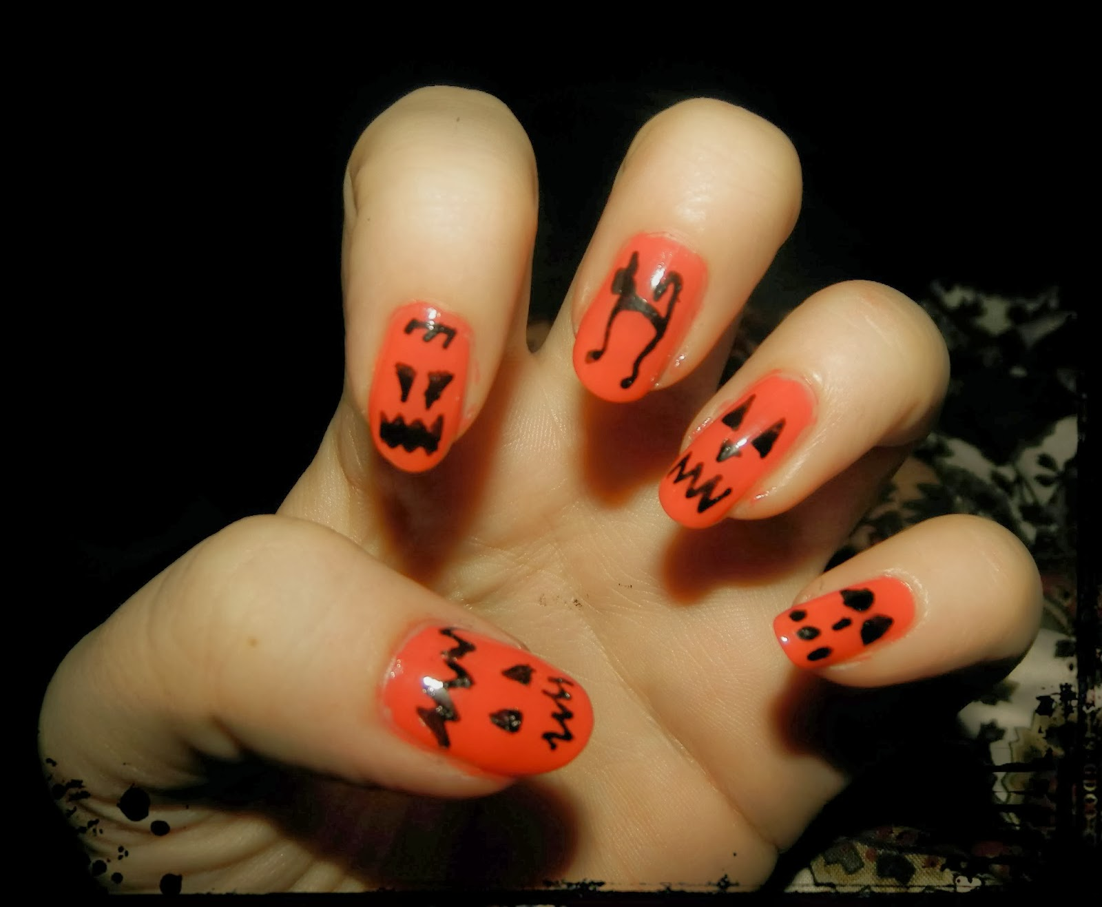 Beauty, Miscellany: Halloween Themed Nails #2 - Pumpkin Nails