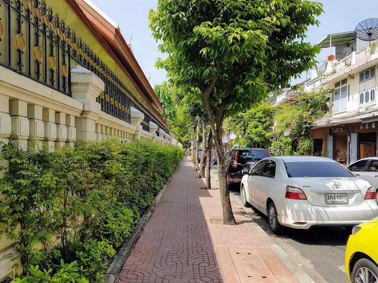 金山寺外的街道