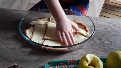 recette avec enfant maternelle pommes au four au chocolat sur brioche perdue