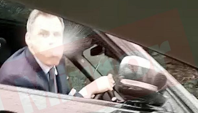 Jamie Carragher Spits At Football Fan & His 14-Year-Old Daughter Following Liverpool's Defeat_1