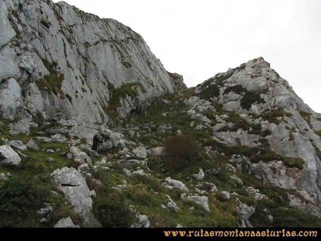 Ruta por el Aramo: Tramo final a la cima del Moncuevo