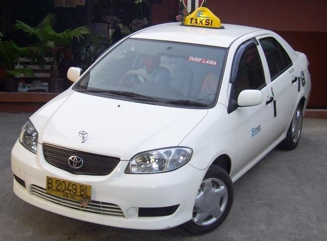 Tips Cerdas Saat Membeli Mobil Bekas Taksi