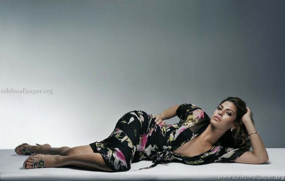 521 Entertainment World: 521 Entertainment World: Latest Eva Mendes HQ Hot