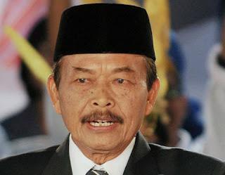 Mantan Gubernur Jateng yang juga Eks Kader PDIP, Bibit Waluyo mendukung Prabowo-Sandi.