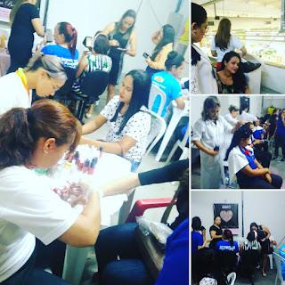 Ação com as mulheres da empresa em um dia de beleza