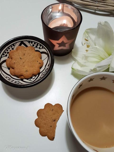 kahvi annas piparkakku kahvi kahvikuppi kynttilä