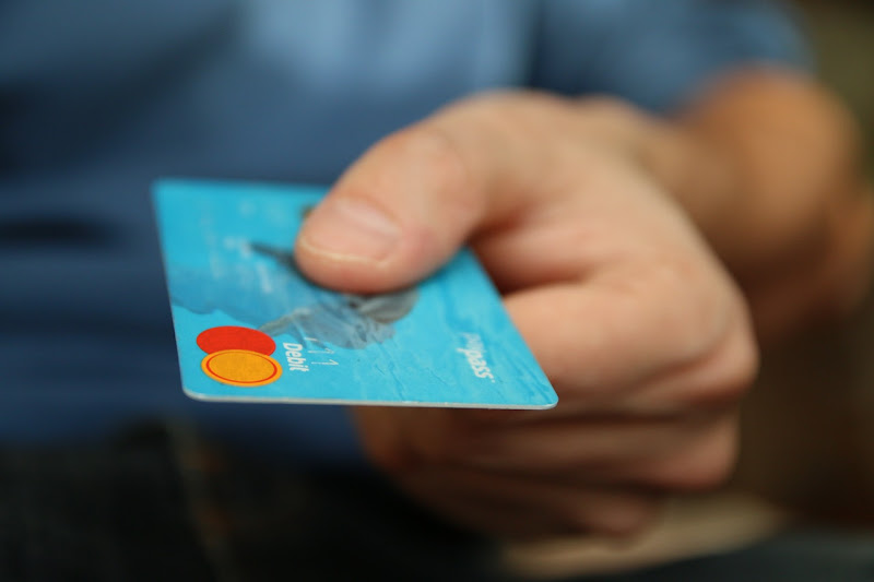 Methods that can help you use your credit card more safely