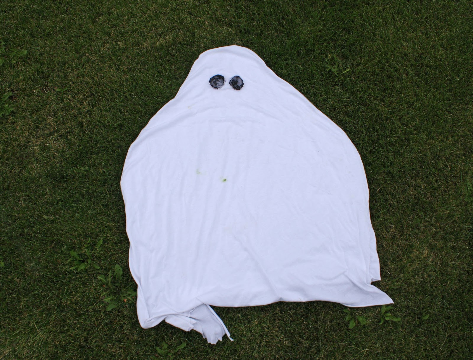 & Running With Scissors: Easy DIY Ghost Costume