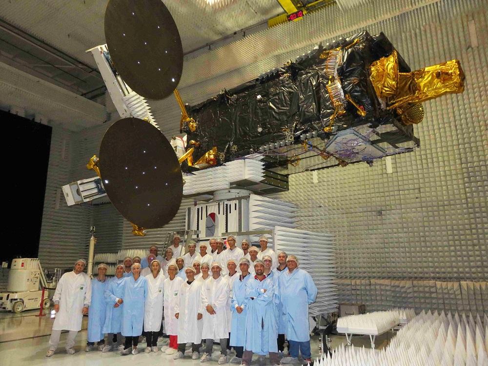 Suposto satélite brasileiro SCDC em solo
