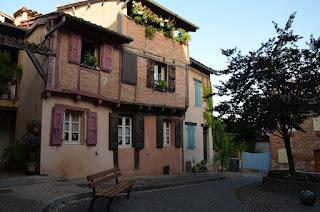 Albi. Place de la Savène