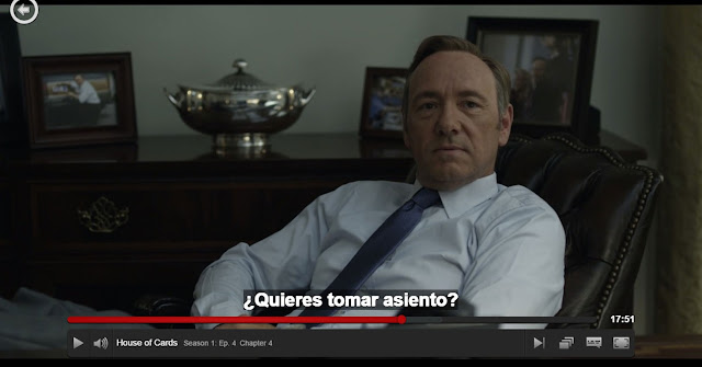 Kevin Spacey en House of Cards, reproduciéndose en Netflix