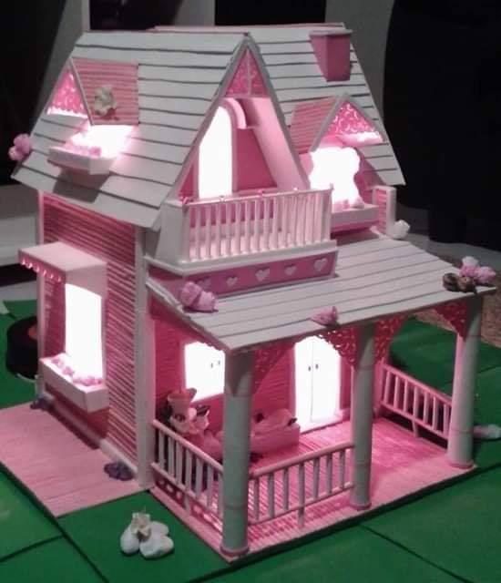 Rumah Cantik dari Stik Es Krim warna pink