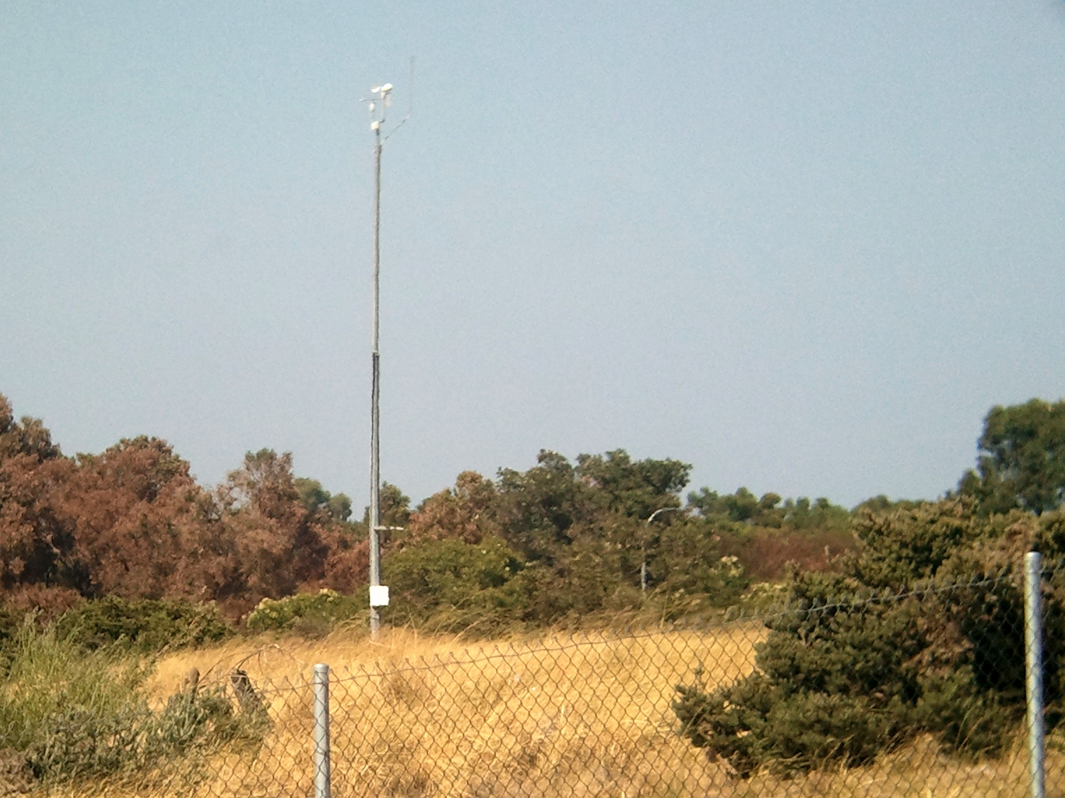 TheWAWG Forum - View topic - BOM Weather Stations (with pics)