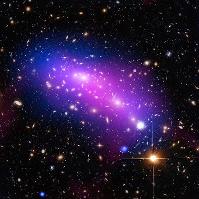 Um incrível caleidoscópio cósmico