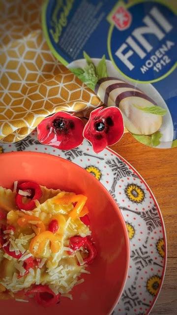ravioli Fini con melanzane, pomodori e peperoni grigliati