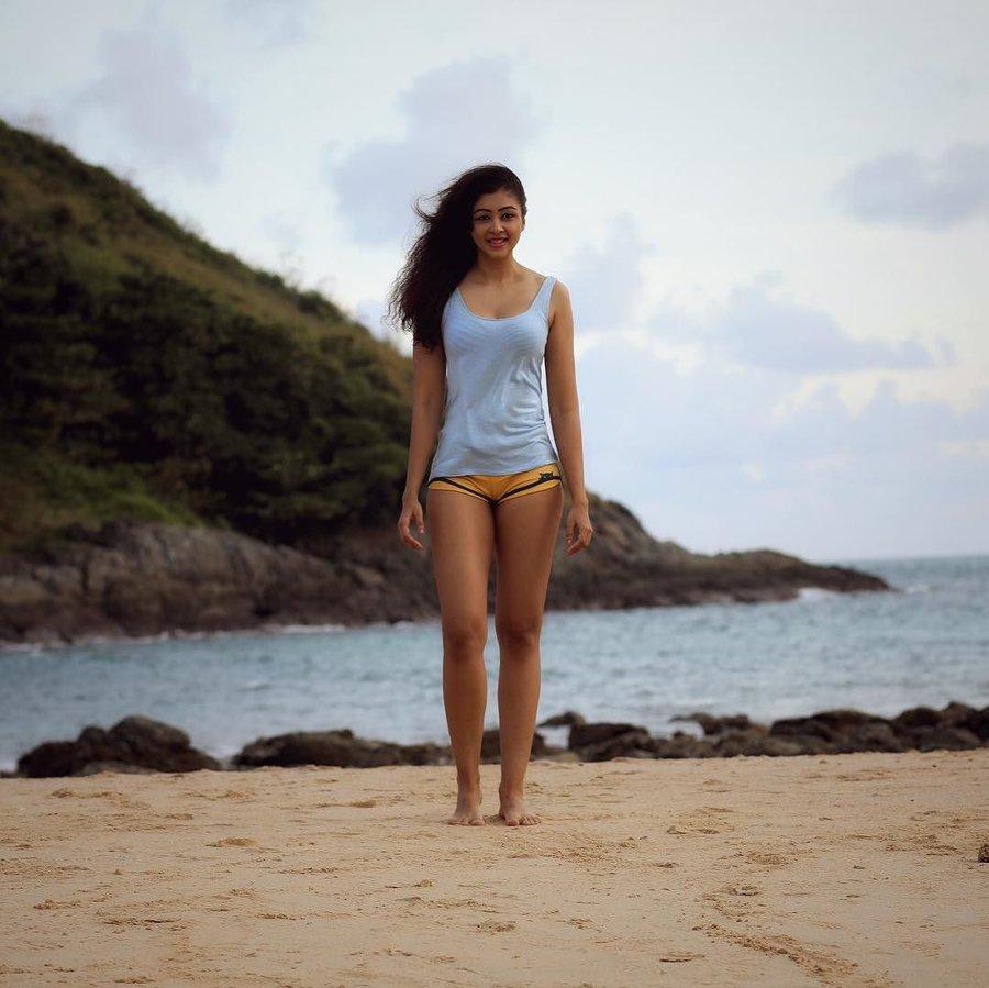 sapna vyas in beach