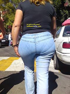 señora-caderona-caminando-calle