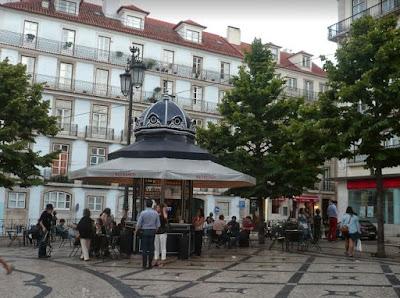 Piazza nel Chiado