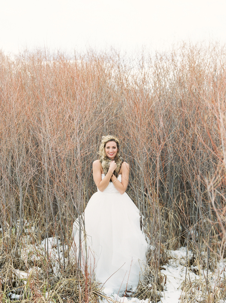 Winter / Montana Wedding / Orange Photographie / Hair & Makeup: Alexa Mae / Flowers & Styling: Katalin Green / Dress: Poppy Bride