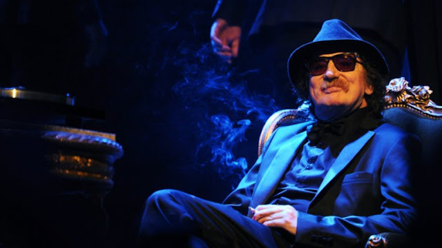 CHARLY GARCIA, REDES SOCIALES