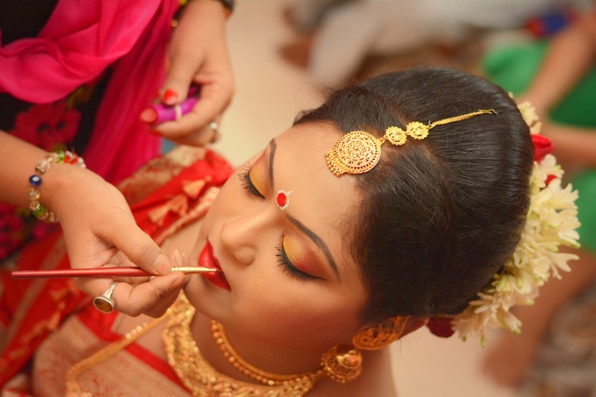 lip-makeup-for-brides-during-and-after-wedding