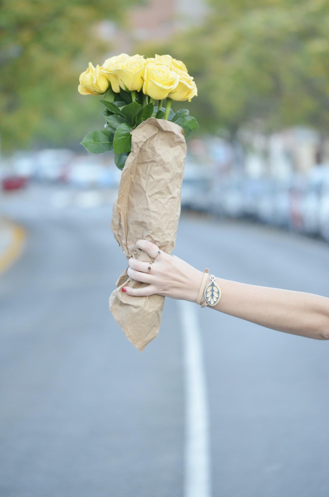 bellabeat_leaf_fresh_flowers_rosas_amarillas